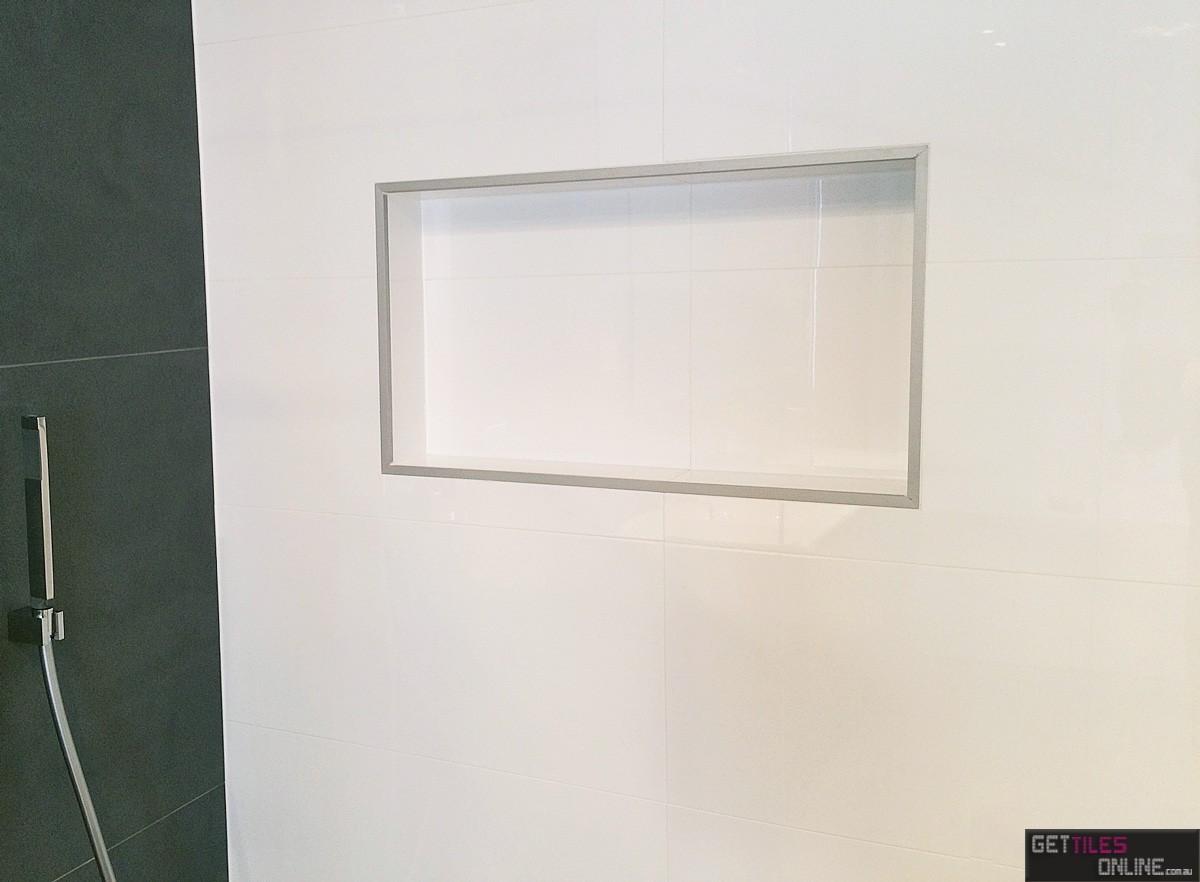 White gloss wall 300x900 (Code:00790)